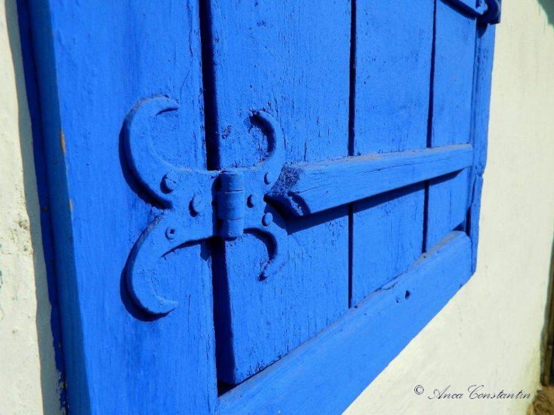 fereastra albastra